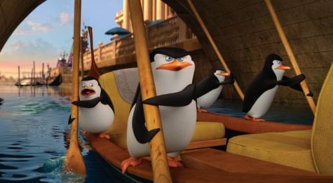 In Venedig müssen sich Rico, Skipper, Kowalski und Private als Gondoliere versuchen.